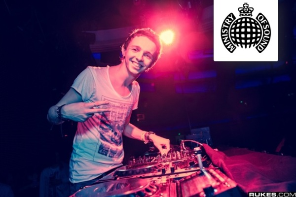Arty feat. Fiora - Grand Finale [Ministry Of Sound]